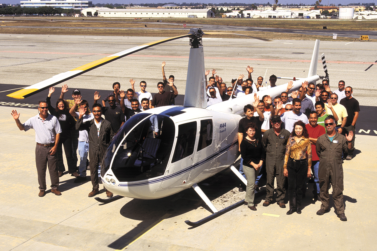 robinson delivers 5000th helicopter