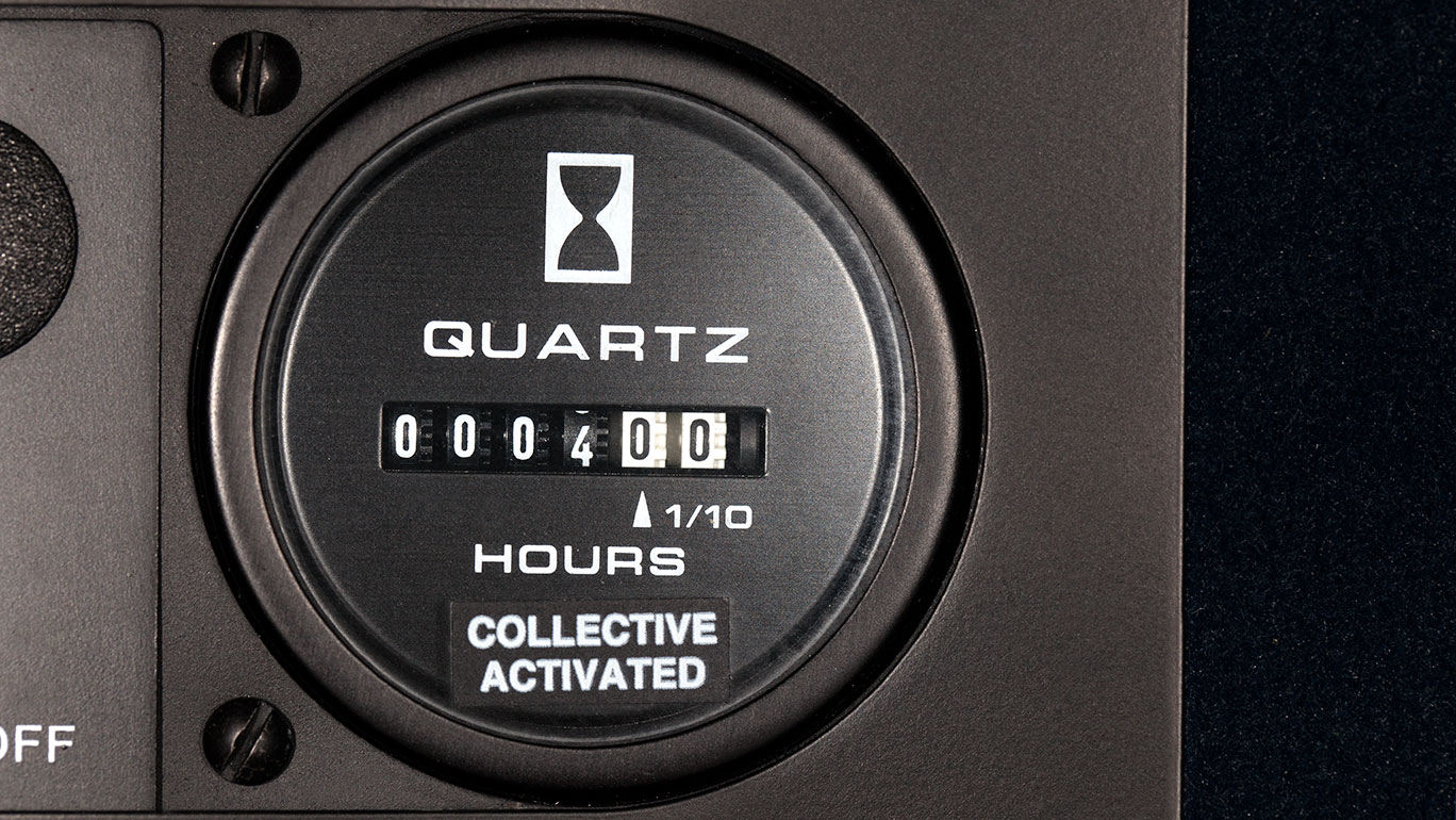 r22 collective-activated hour meter
