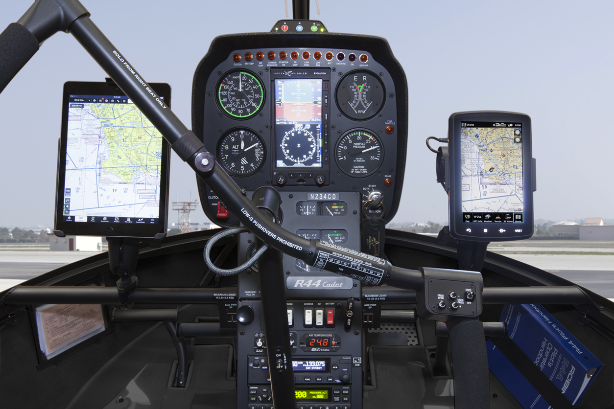 r44_cadet_instrument_panel_ipads