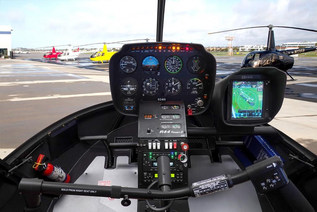 R44 Raven II/Clipper II - Robinson Helicopter Company