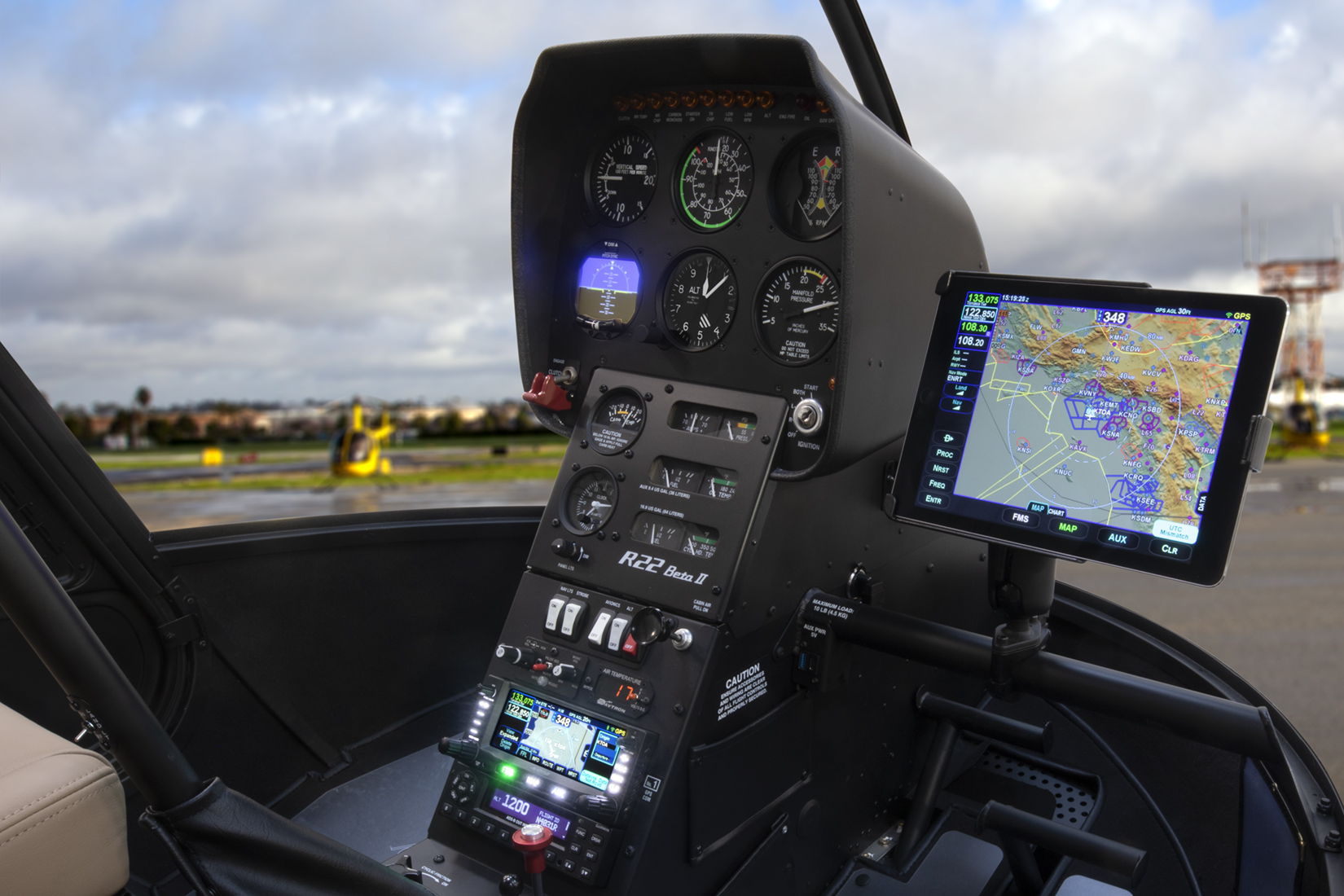 robinson adds avidyne IFD to options